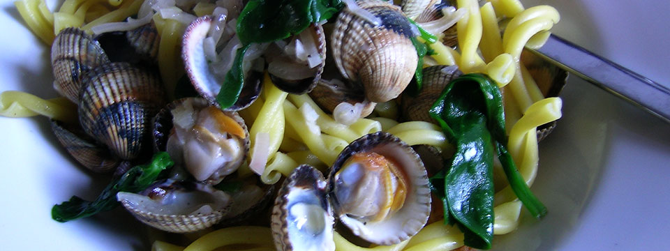 Cold Smoked Clam Marinières with Spinach & Pasta